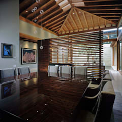 mediterranean Dining room by JR Arquitectos