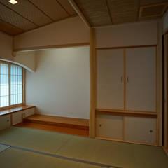 اتاق تفریحات رسانه ای توسط西薗守 住空間設計室