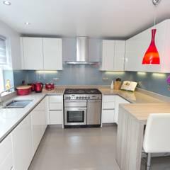 Contemporary Kitchen in Huddersfield at Bradley:  Kitchen by Twenty 5 Design,