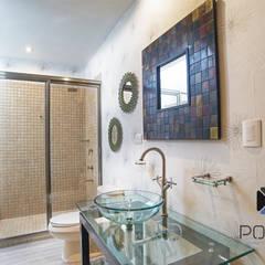 """Proyecto Residencial """"La Ramona."""": Baños de estilo  por PORTO Arquitectura + Diseño de Interiores, Ecléctico"""