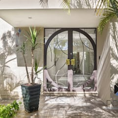 """Proyecto Residencial """"La Ramona."""": Casas de estilo ecléctico por PORTO Arquitectura + Diseño de Interiores"""