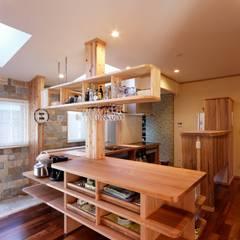K邸 Renovation: 株式会社山崎屋木工製作所 Curationer事業部が手掛けたキッチンです。,