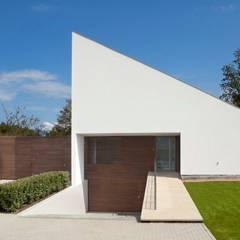 Woonhuis Oostkapelle:  Garage/schuur door adsmeuldersarchitect