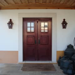 Finestre in stile  di Gabiurbe, Imobiliária e Arquitetura, Lda