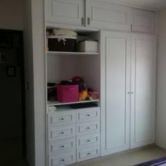 Habitación Mila: Recámaras infantiles de estilo  por Constructora e Inmobiliaria Catarsis