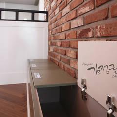 한빛 아파트: 김정권디자이너의  주방,인더스트리얼 벽돌
