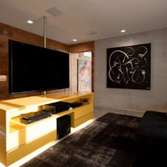 Media room by Marcelo Rosset Arquitetura