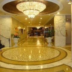 Pulidos y termo vitrificado de pisos de MARMOL Y MOSAICO GRANITICO Paredes y pisos clásicos de Indinaco srl Clásico