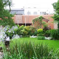 Remodelación Jardín Buenos Aires: Casas de estilo  por abpaisajismo