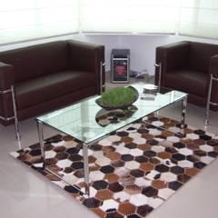 Salones y comedores: Yates y jets de estilo  por Paola Hernandez Studio Comfort Design