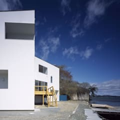 ハマノイエ: 関建築設計室 / SEKI ARCHITECTURE & DESIGN ROOMが手掛けたビーチハウス・クルーザーです。