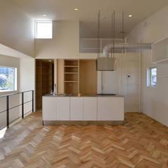 富沢の家: 株式会社ブレッツァ・アーキテクツが手掛けたキッチンです。,ミニマル