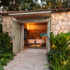 tropische Tuin door Marina Linhares Decoração de Interiores