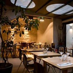 Restaurant JAJA Paris: Bars & clubs de style  par LampAndCo
