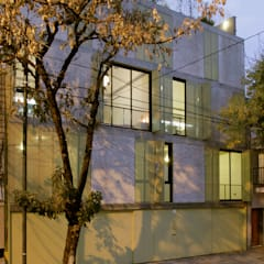 Houses by IR arquitectura, Modern Metal