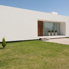 Maisons de style  par VISMARACORSI ARQUITECTOS