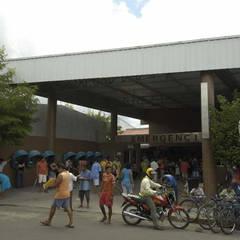 Hospitales de estilo  por Aurion Arquitetura e Consultoria Ltda