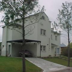 Casa en Barrio Nautico: Garajes de estilo  por Grupo PZ,Moderno