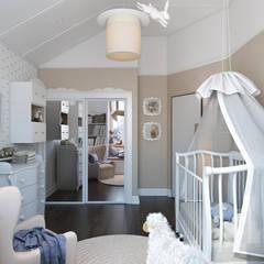 Таунхаус в г.Краснодар: Детские комнаты в . Автор – Design Studio Details, Эклектичный