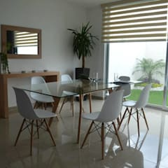 Dining room by Xarzamora Diseño