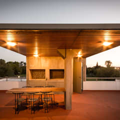 CASA LA SANTINA : Terrazas de estilo  por barqs bisio arquitectos