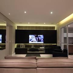 Apartamento Ânima Clube: Salas multimídia  por ArchDuo Arquitetura,Minimalista Madeira Efeito de madeira
