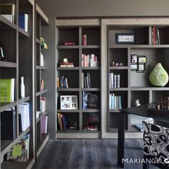 Tulipán: Estudios y oficinas de estilo  por MARIANGEL COGHLAN,