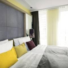 Płyty z betonu architekotnicznego: styl , w kategorii Sypialnia zaprojektowany przez Modern Line