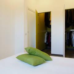 Dressing room by Laboratorio di Progettazione Claudio Criscione Design , Eclectic