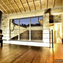 Casa do Páteo - Um retiro na serra Salas de estar rústicas por Casa do Páteo Rústico