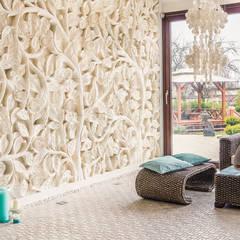 NADMORSKI DOM.: styl , w kategorii Salon zaprojektowany przez CAROLINE'S DESIGN