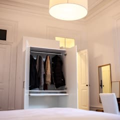 OPORTO LOFT - ART HOTEL | OPORTO | PORTUGAL: Closets  por Bastos & Cabral - Arquitectos, Lda. | 2B&C