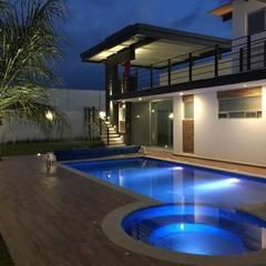 Pool by SANTIAGO PARDO ARQUITECTO