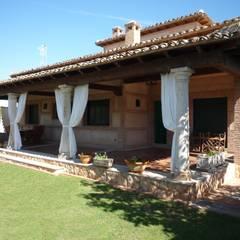 VIVIENDA RURAL: Casas de estilo  de CARLOS TRIGO GARCIA