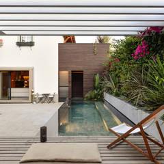 من Ricardo Moreno Arquitectos حداثي