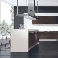 Italian Kitchens : modern  by Woodville,Modern