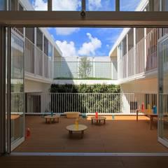 中庭: フィールド建築設計舎が手掛けた壁です。