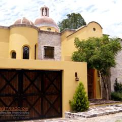 FACHADAS: Casas de estilo  por AH Arquitectos Hernandez