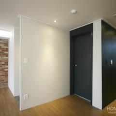 인더스트리얼 느낌의 30평 아파트 인테리어: 홍예디자인의  복도 & 현관,인더스트리얼