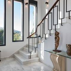 Koridor dan lorong oleh Laura Yerpes Estudio de Interiorismo