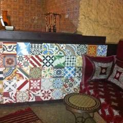 Marokkaanse cementtegels van Articima:  Eetkamer door Articima