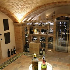 Wine cellar by Gröll Gewölbebau GmbH&CO.KG