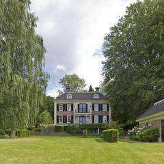 Landhuis te Oosterbeek - Achtergevel - Tuin: klasieke Tuin door Friso Woudstra Architecten BNA B.V.