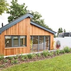 Garden annex:  Garage/shed by Blankstone
