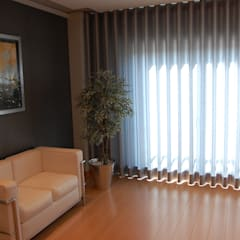 Apartamento Lisboa: Closets  por Critério Arquitectos by Canteiro de Sousa