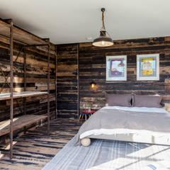 Bert and May Box:  Bedroom by Cs photography