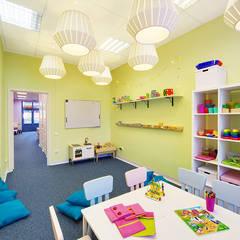 """Детский клуб """"Маруся"""": Школы и учебные заведения  в . Автор – Порядок вещей - дизайн-бюро, Эклектичный"""