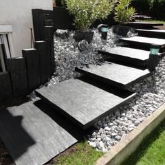 Referenzen- Naturstein: moderner Garten von MM NATURSTEIN GMBH