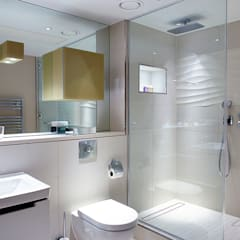 Wallhung frameless glass showers:  Bathroom by Ion Glass , Modern Glass