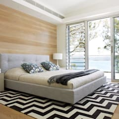 Avalon House:  Bedroom by Greg Natale Design